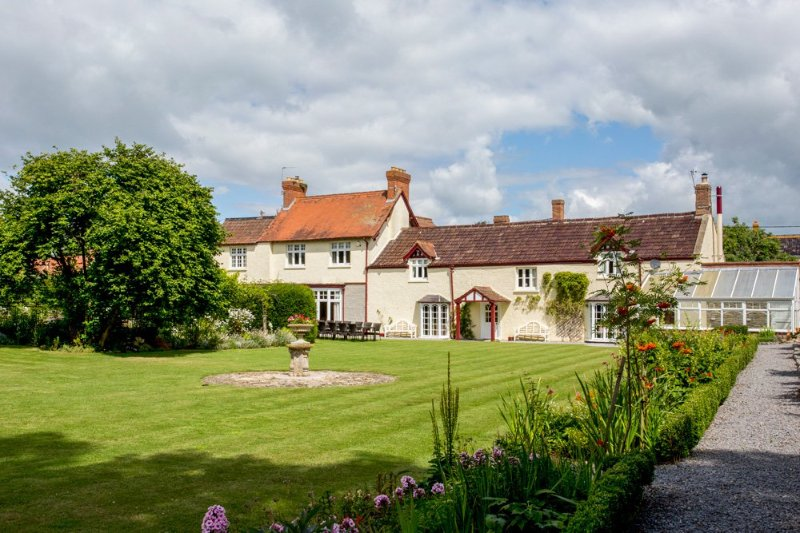 Cossington Chateau Sleeps 22 - 5218062, holiday rental in Huntworth
