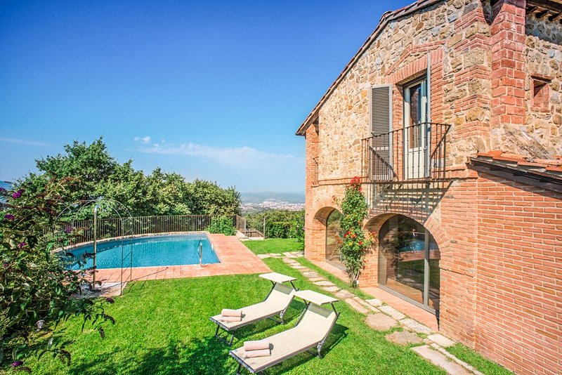 Molinelli Villa Sleeps 10 with Pool and Air Con - 5218083, holiday rental in Antria