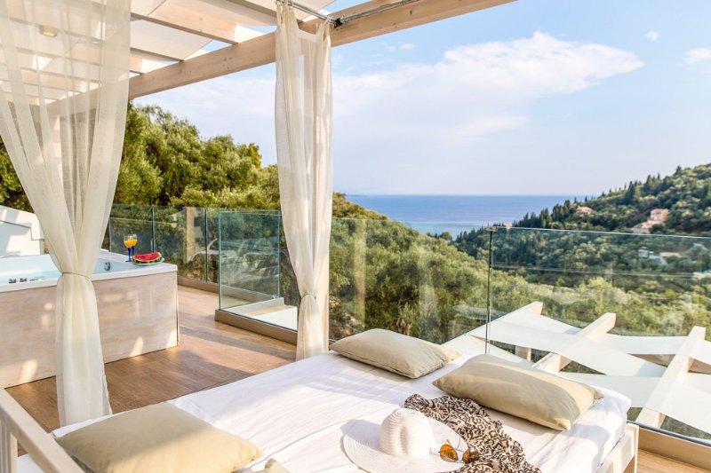 Kavalleraina Villa Sleeps 6 with Pool and Air Con - 5218040, location de vacances à Kalami