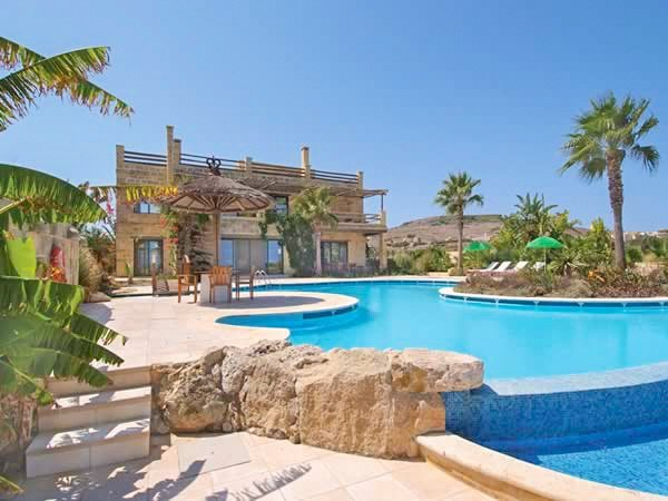 Ghammar Villa Sleeps 8 with Pool - 5217826, alquiler vacacional en Ghasri