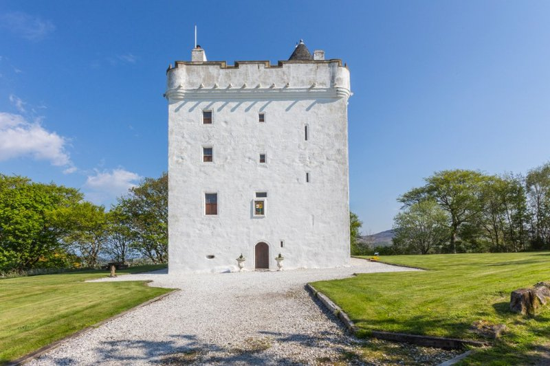 Seamill Chateau Sleeps 14 - 5217544, location de vacances à West Kilbride