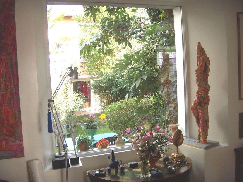 Vista desde la casa principal. Las habitaciones están en el jardín