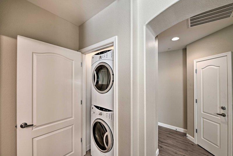In-enhet tvättmaskiner se kläderna håller sig fräscha och rena!
