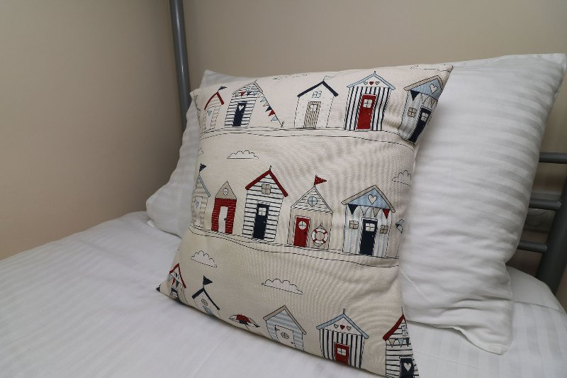 Hartland Heights Woolacombe Holiday Cottage Bunk Bed Cushion