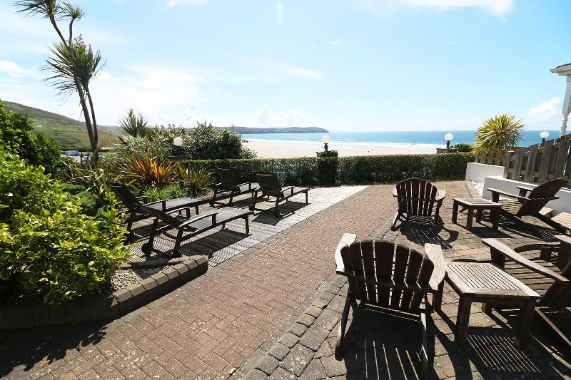 Hartland House Apartments Woolacombe Holiday Cottage View To Sea From Outside Area