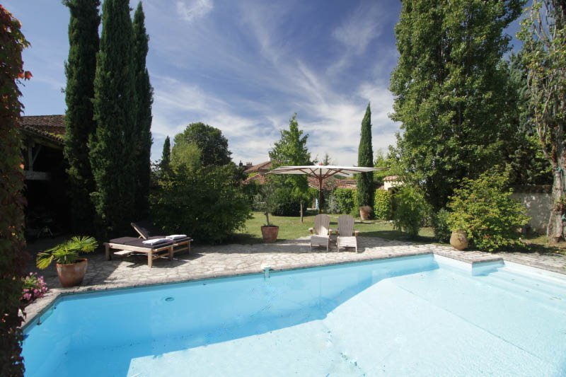 Penne-dAgenais Chateau Sleeps 20 with Pool - 5049699, holiday rental in Trentels