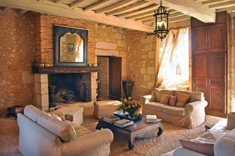 Martigue Chateau Sleeps 14 with Pool - 5049636, vacation rental in Vergt