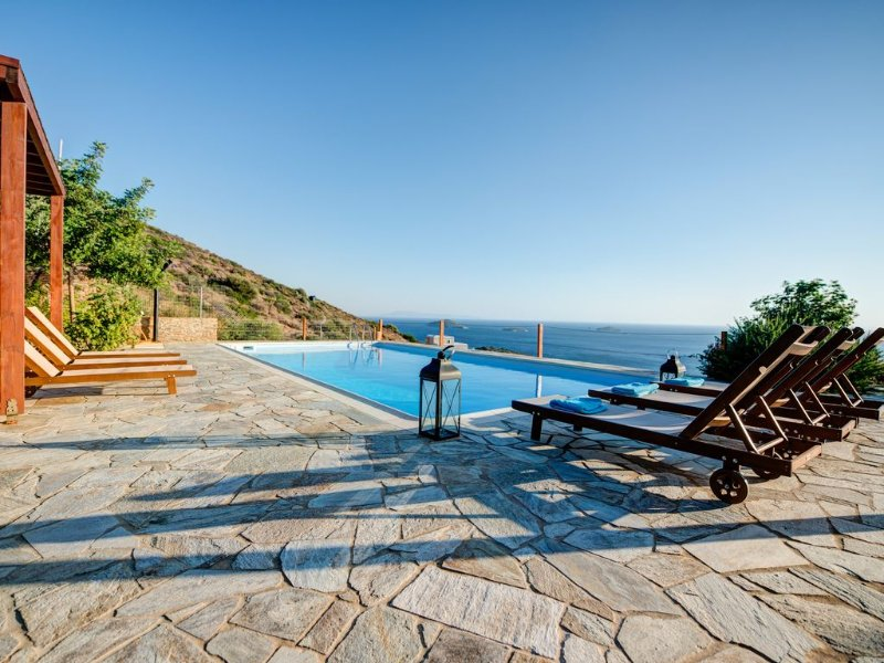 Aggelikes: Luxurius Cycladic villa, private swimming pool and amazing sea view, holiday rental in Kypri