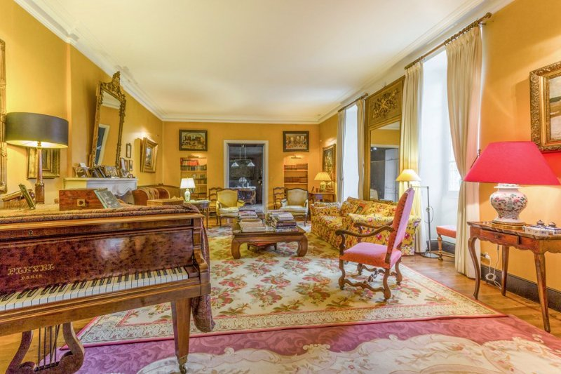 Larressingle Chateau Sleeps 50 with Pool - 5049465, holiday rental in Condom