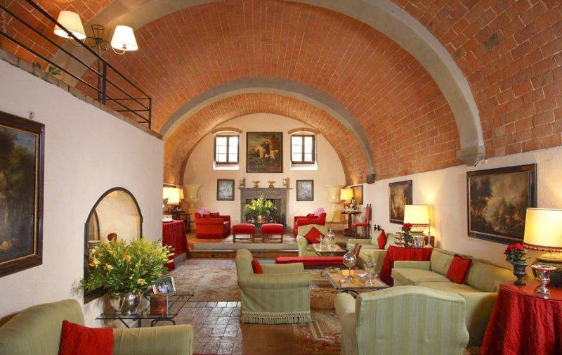 Collalto Villa Sleeps 32 with Pool and Air Con - 5049066, holiday rental in Capannino della Suvera