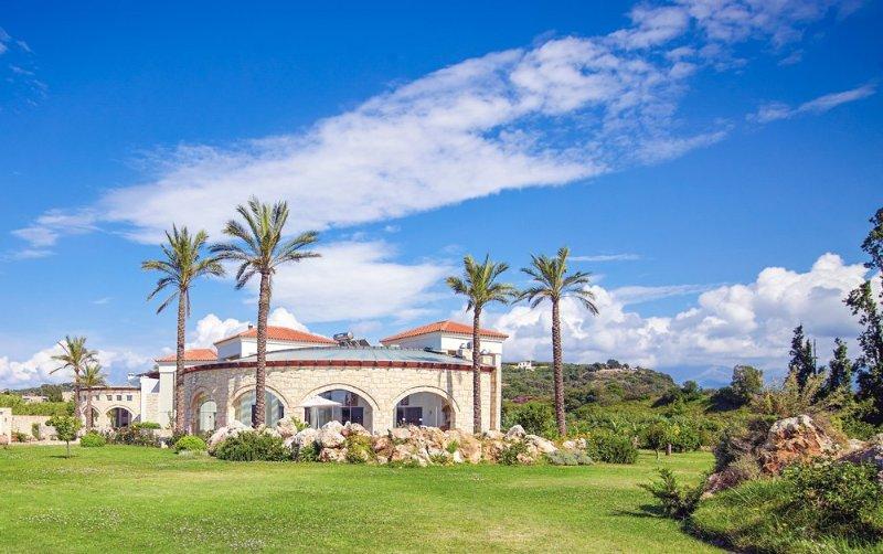 Ptinotrofion Villa Sleeps 6 with Pool and Air Con - 5048874, vacation rental in Gerani