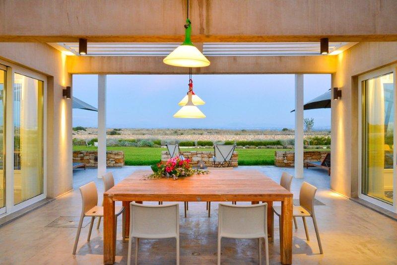 Casa De Giorgis Villa Sleeps 8 with Pool and Air Con - 5048888, casa vacanza a Isola di Favignana