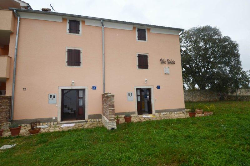 Villa Violeta B, alquiler de vacaciones en Bale