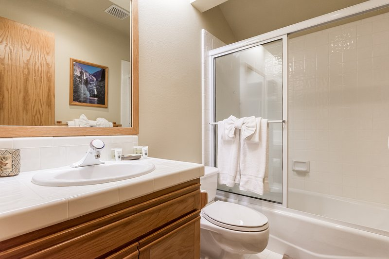 bathroom #2- shared full bathroom