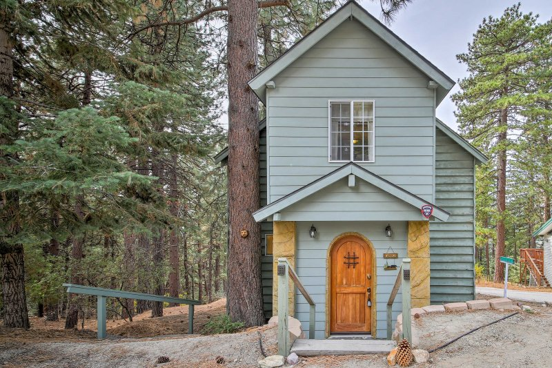 If you're looking to experience solitude in California's alpine terrain, then this 1-bedroom, 2-bath vacation rental cabin is the place for you!