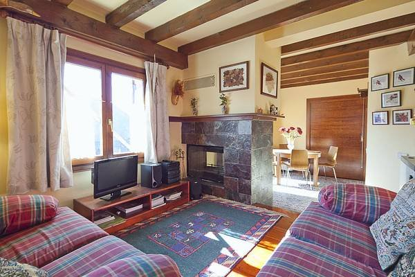 Pie de pistas Tanau Baqueira 1700., vacation rental in Val d'Aran