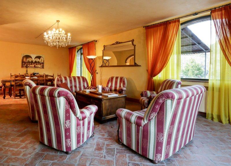Monteluco Villa Sleeps 8 with Pool - 5217988 – semesterbostad i Rietine