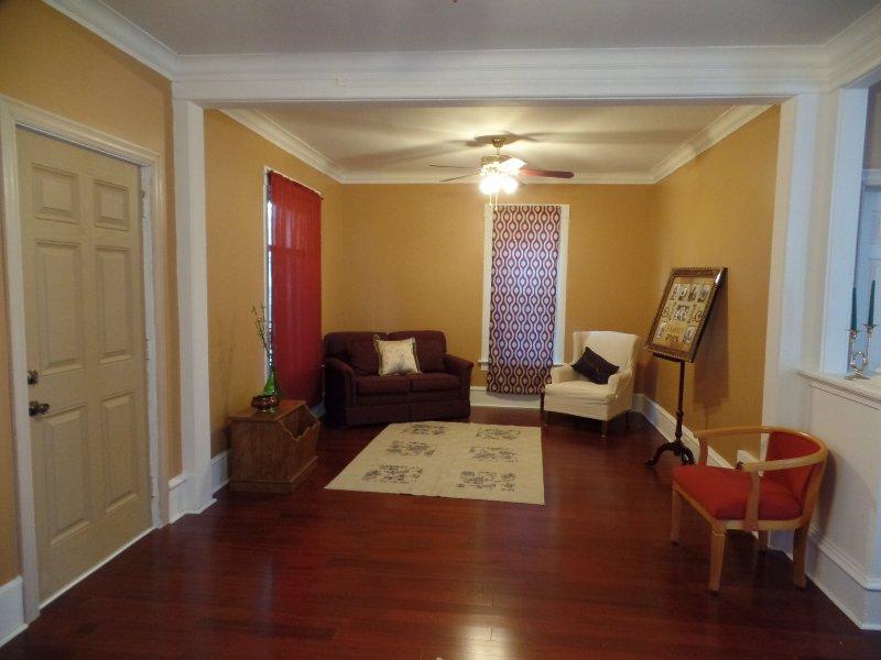 Centrally Located Sheboygan Charmer: Near Blue Harbor, Kohler & Lake MIchigan, vacation rental in Hingham