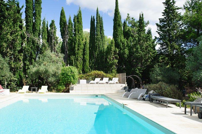 Cesseras Chateau Sleeps 18 with Pool - 5049485, aluguéis de temporada em Cesseras