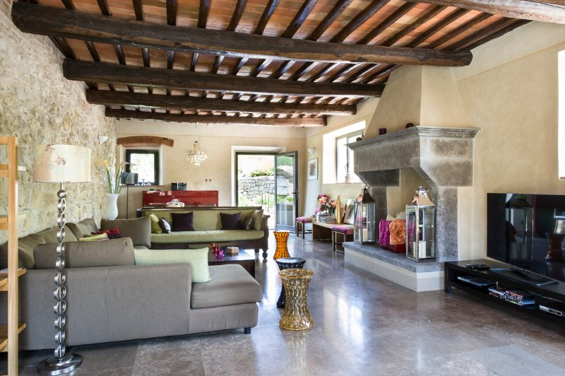 Lecchi Villa Sleeps 10 with Pool and Air Con - 5049068, alquiler vacacional en Lecchi in Chianti
