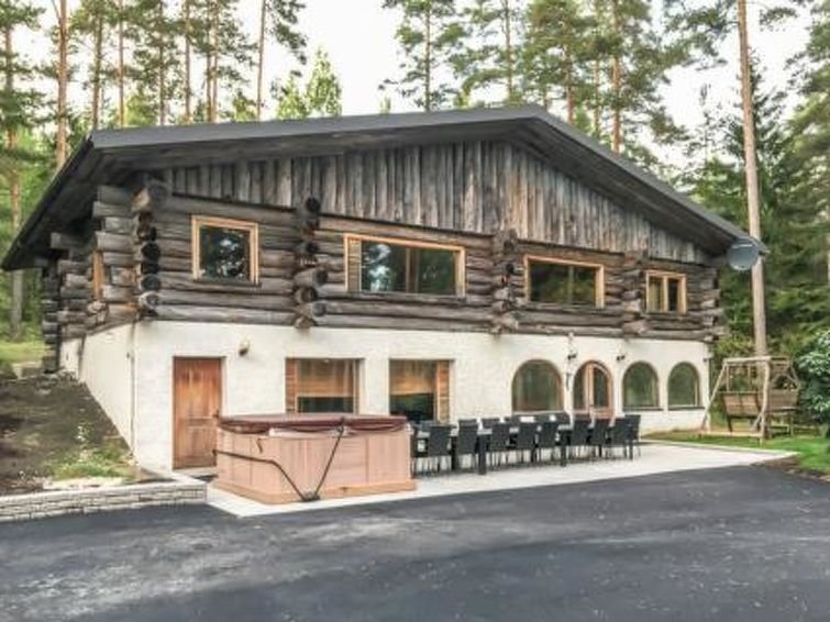 Leppaniemi Holiday Home Sleeps 12 with WiFi - 5045840, vacation rental in Kymenlaakso