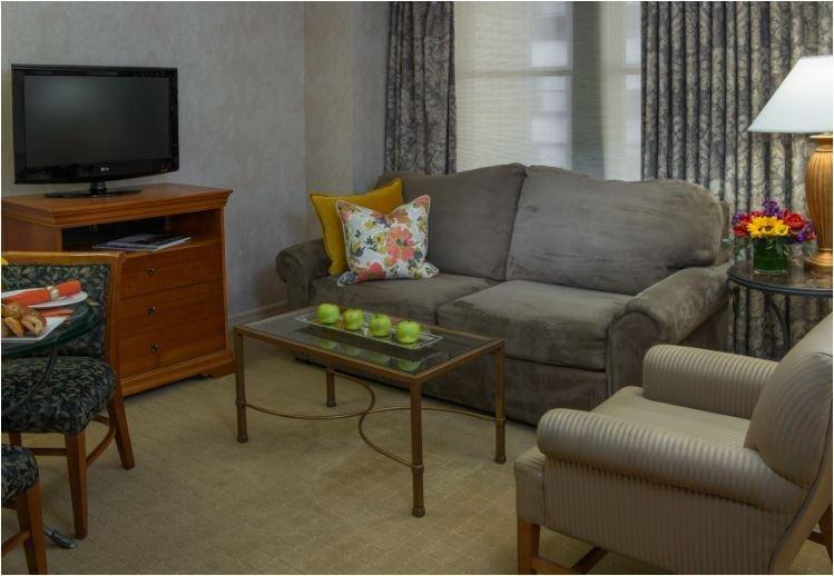 Executive Jr Suite Living Room