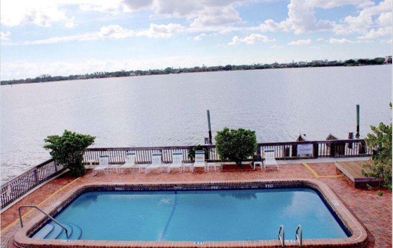 Palm Beach piscina con vistas a la bahía