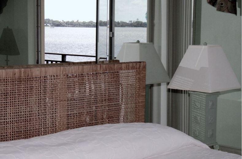 Dormitorio principal Palm Beach, con vistas a la bahía