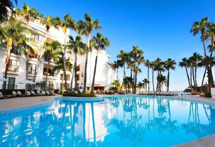 O Cancun Piscina Royal