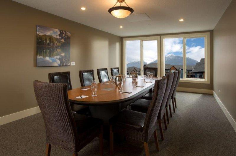 Solara Resort and Spa Dining Room