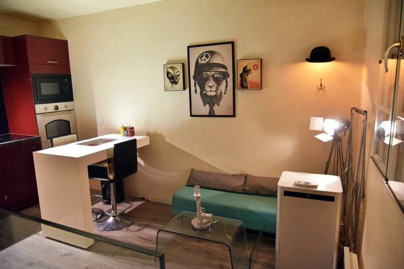 F3 Duplex 39M² Palais des Congrès (Porte maillot), casa vacanza a Neuilly-sur-Seine