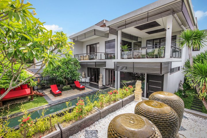 villa-cascade-seminyak-high-resolution-03_L-65db434b-174e-4a9d-aba4-cd7d695a7de9.jpg