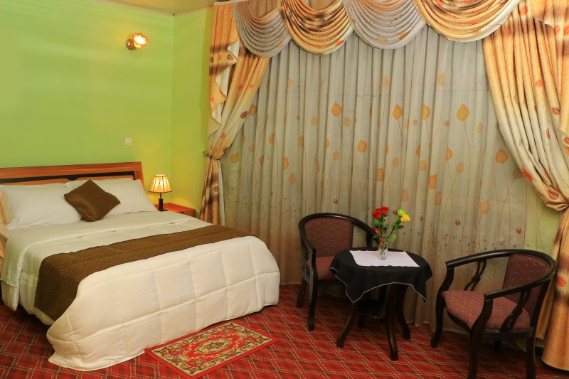Keba Guest House and BnB Deluxe Room With free Wi-Fi and airport pickup!, alquiler de vacaciones en Addis Ababa