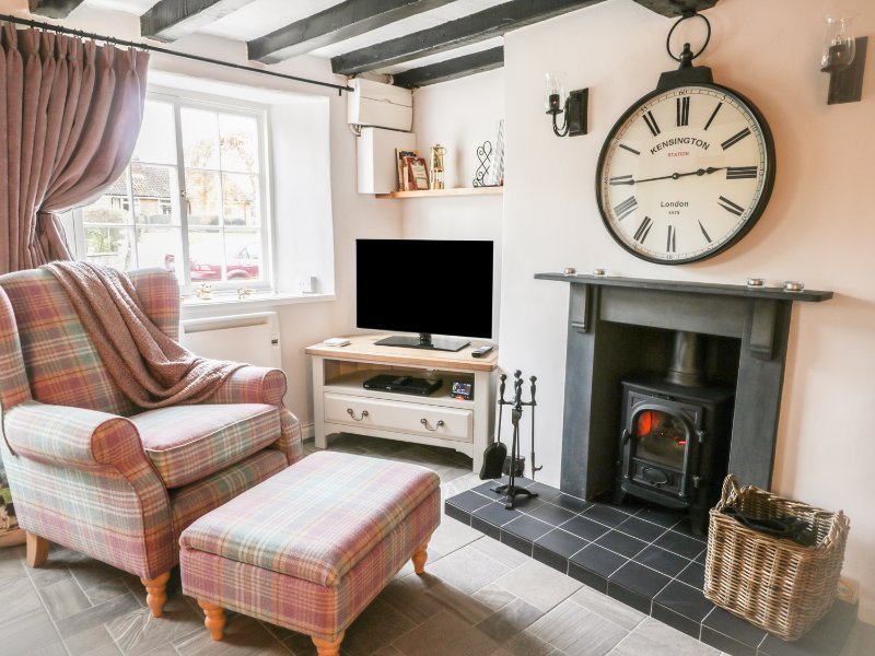 BIMBLE COTTAGE, Grade II listed, WiFi, Ingham, holiday rental in Gainsborough
