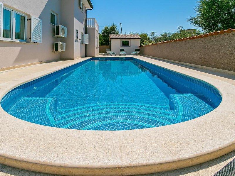 Moderne Villa zu vermieten mit Pool, Pula
