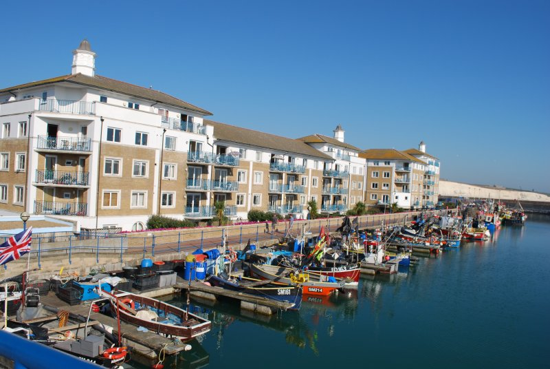 Water views from this South facing Brighton apartment with FREE parking, location de vacances à Peacehaven