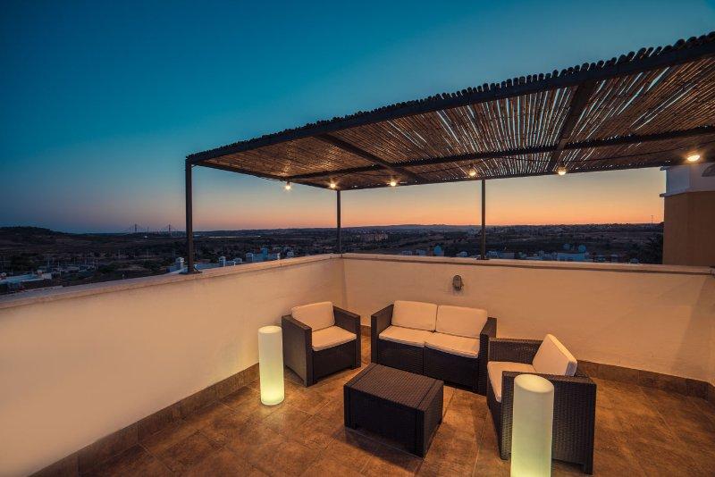 Confort, Golf y Playa en la frontera del Algarve, vacation rental in Costa Esuri