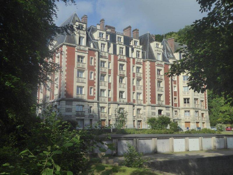 Appartement à deux pas de Dieppe, holiday rental in Arques-la-Bataille