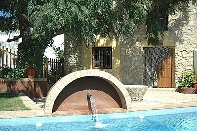 Fuentes de Cesna Villa Sleeps 14 with Pool - 5000384, holiday rental in Riofrio