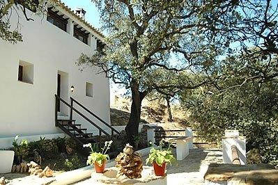 Fuentes de Cesna Villa Sleeps 8 with Pool - 5000385, holiday rental in Loja