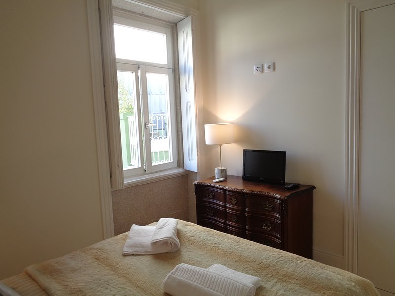 Bedroom with double bed / wardrobe / drawers / TV / air conditioning