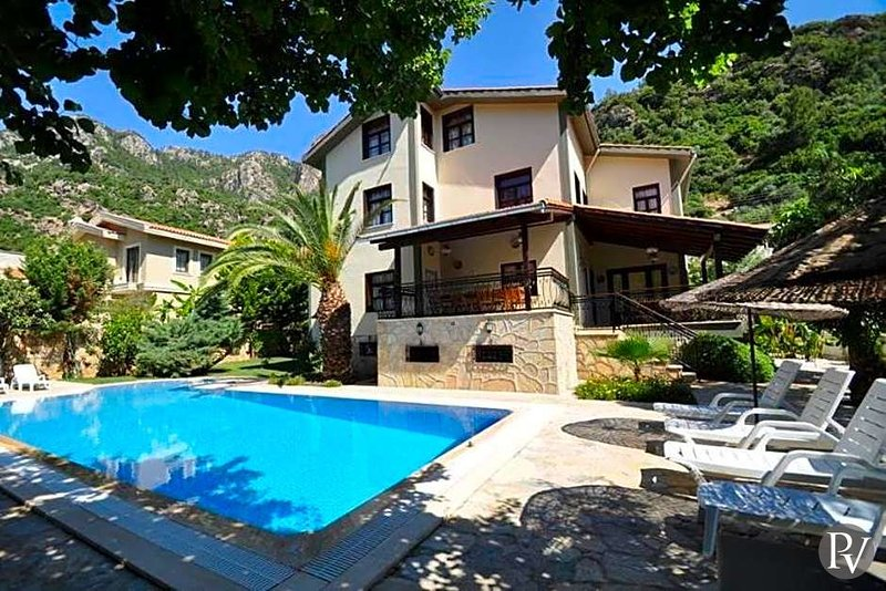 Marmaris Villa Sleeps 24 with Pool and Air Con - 5433589, holiday rental in Turunc