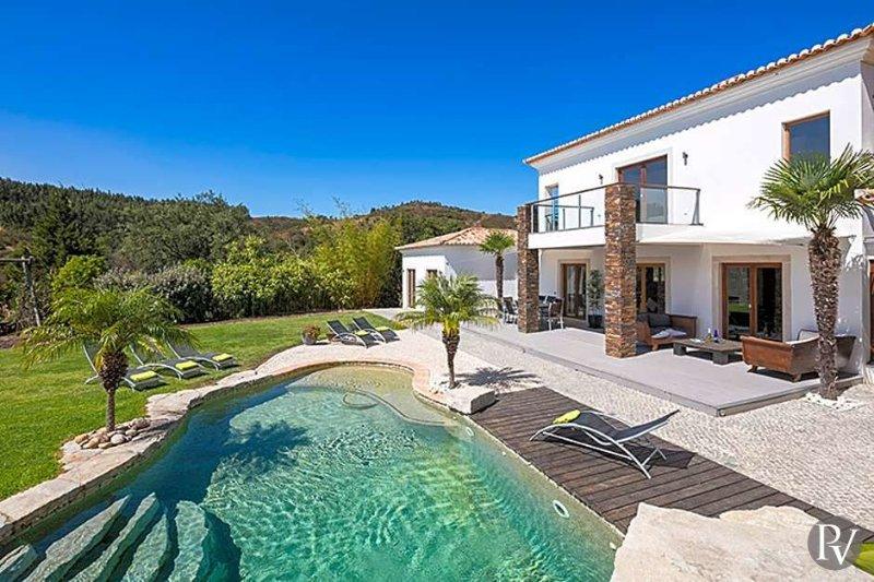 Tres Figos de Baixo Villa Sleeps 8 with Pool Air Con and WiFi - 5433267, location de vacances à Bensafrim