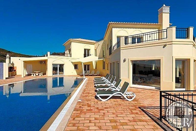 Tavira Municipality Villa Sleeps 10 with Pool and WiFi - 5433031, holiday rental in Ribeira da Gafa