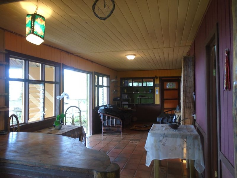 Casa Vista (Amazing house in a Permaculture Farm), vacation rental in San Isidro del General District