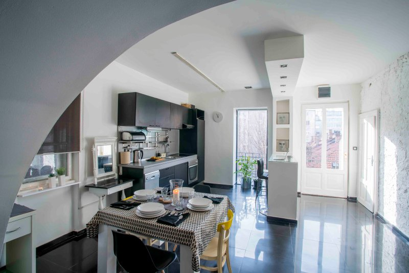 Open ruimte woonkamer, eetkamer en keuken