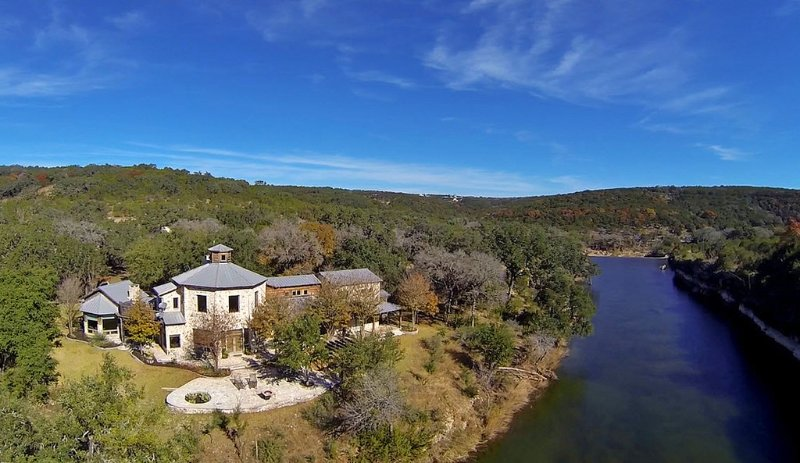 Brilliant Most Amazing Vacation Rental Review Of Lejos Wimberley Beutiful Home Inspiration Ommitmahrainfo