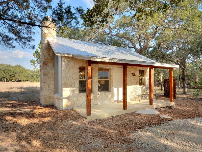 Magnificent Cabins At Flite Acres Texas Sage Has Patio And Air Interior Design Ideas Oteneahmetsinanyavuzinfo
