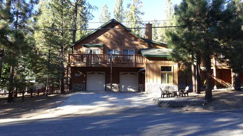 Premium Cabin With A Fun Game Room, vacation rental in Moonridge