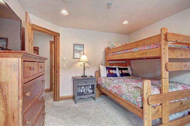 Etagenbetten - Gästeschlafzimmer mit Etagenbetten.